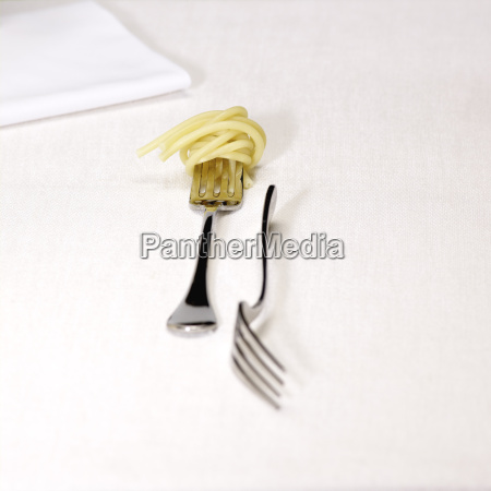 close up of spaghetti on fork