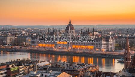 wieza miasto grod town reichstag parlament