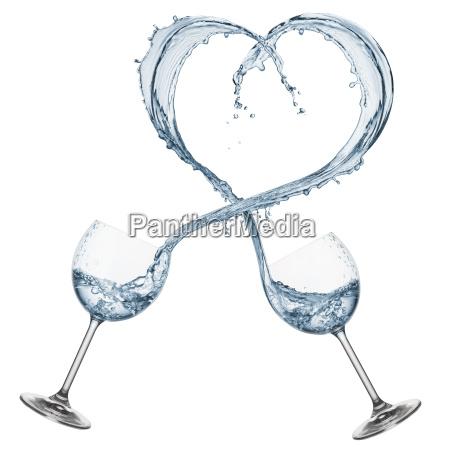 woda w ksztalcie serca