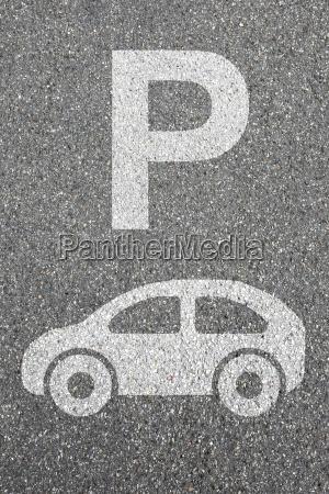 parkowanie samochodu parking ruch pojazdow mobilnosc