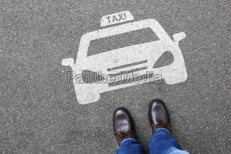droga droga grod mezczyzna mobilnosc pojazd