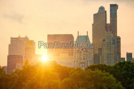 new york skyline over central park