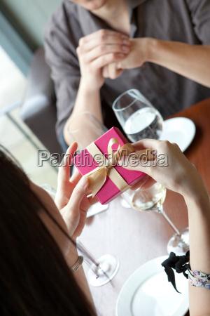 kobieta womane baba restauracja knajpa makro