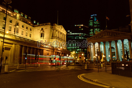 london buildings at night
