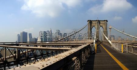 brooklyn bridge boardwalk