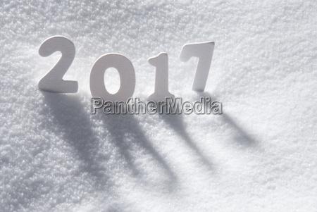 tekst 2017 z bialymi literami w