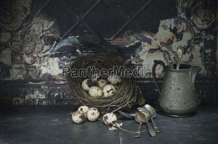 gniazdo wielkanoc z jaj przepiorczych srebrnych