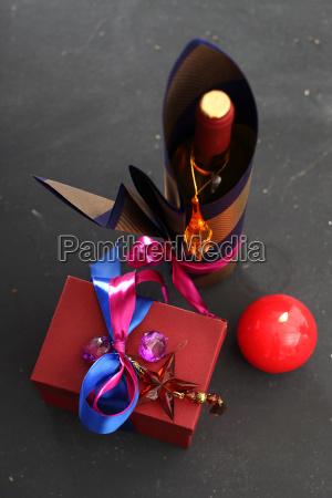 dekoracja butelki pakowanie butelki wina