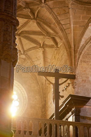 inside the church at jeronimos monastery