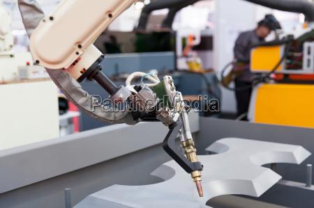 spawanie przemyslowe ramie robota w centrum