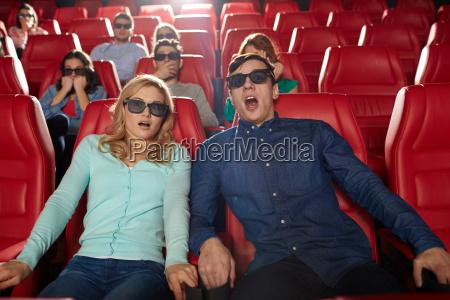 znajomi ogladania horror w teatrze 3d