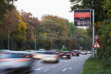 niemcy stuttgart znak ostrzegawczy dla zanieczyszczenia
