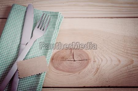 ustawienie stolem sztucce z pustym tag