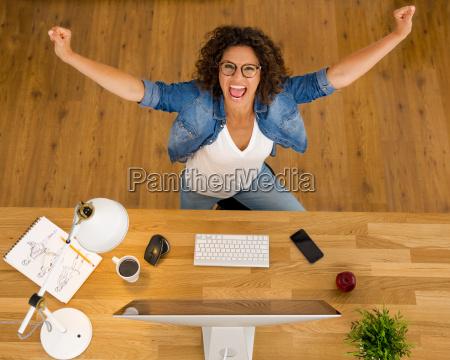 happy, businesswoman - 20402501
