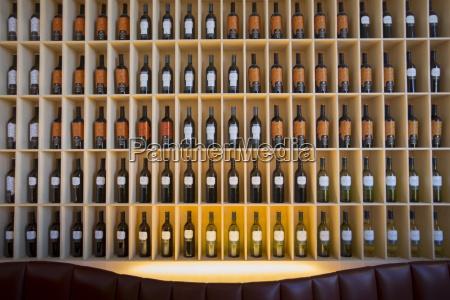 stylowy bar w hotelu marques de