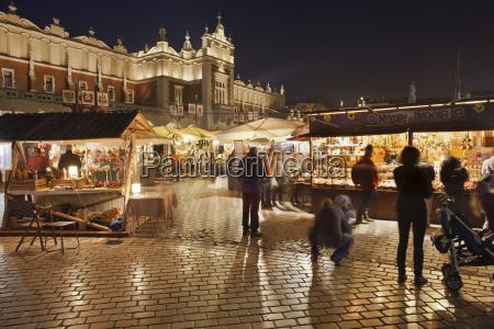 polska krakow stare miasto tradycyjne stragany