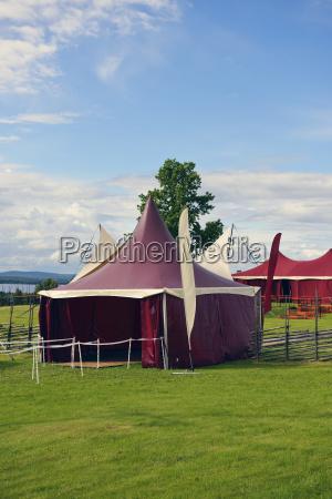 szwecja taellberg czerwony namiot cyrkowy nad