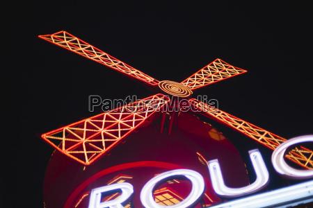 francjaparyzlightes moulin rouge noca