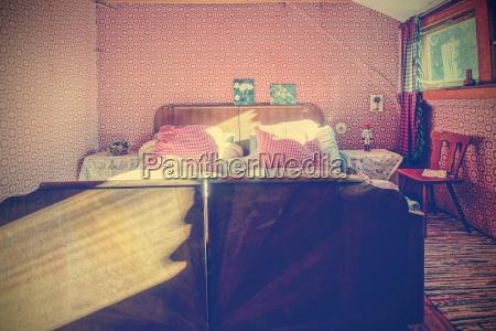mebel przestrzen pomieszczenie lozko koje oboz