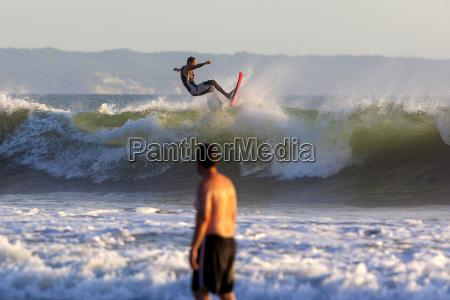 indonezja bali surfowanie fala