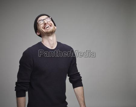 portret, śmiejąc, się, mężczyzna, noszenia, wełny - 21117615
