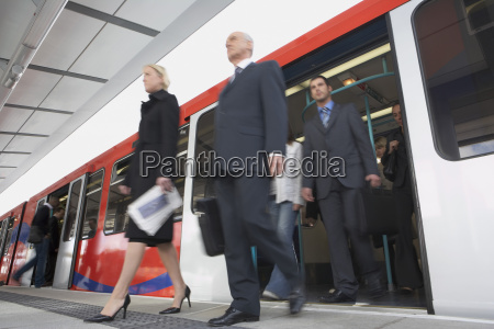 commuters business wysiasc pociag