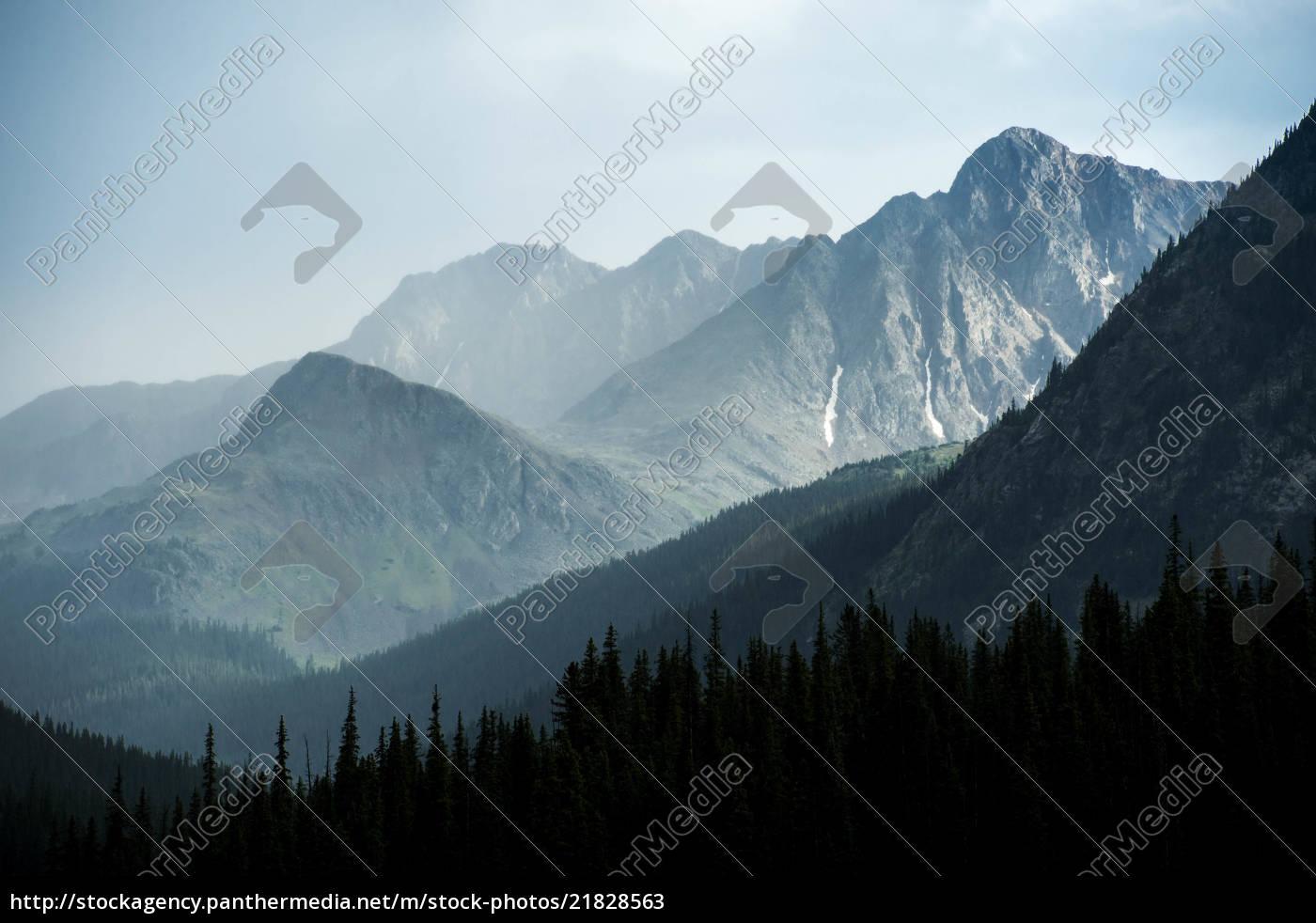 mistyczny, krajobraz, górski, podczas, burzy - 21828563