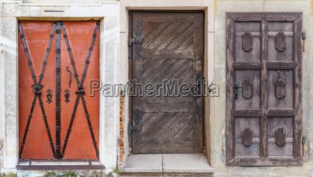 rozne retro drzwi