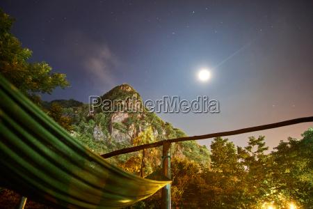 noc nocy ksiezyc hamak gwiazdki gwiazdkami