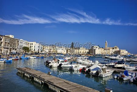 port morski w trani apuliawlochysrodziemnomorskieuropa