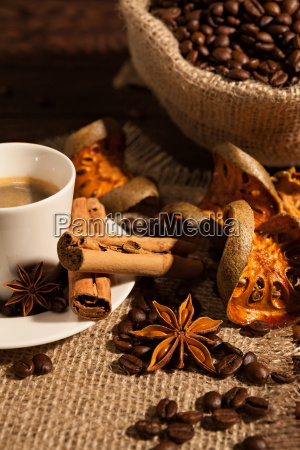 close-up, of, coffee, cup, with, cinnamon - 22719719