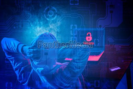 hooded komputer haker kradziez informacji z