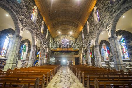 wnetrze katedry w galwaygalwayconnachtirlandiaeuropa