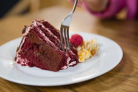 bliska kobieta o ciasto