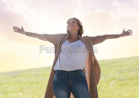 kobieta praktykujacych dorywczo uwaznosc przed dziedzinie