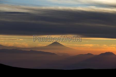 gora anhoehe wzgorze gory oblok chmura