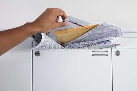 zblizenie osoby reczne przyjmowanie listow ze