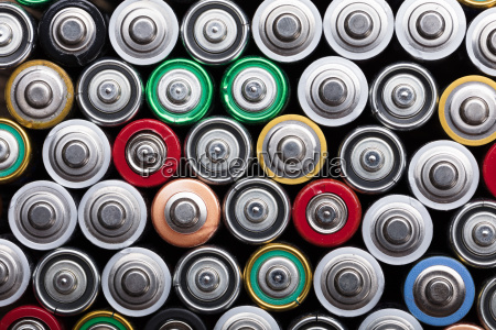 rozne rodzaje zuzytych baterii
