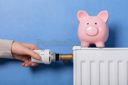 termostat do regulacji recznej osoby