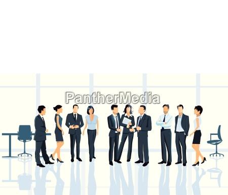 porozumienie biznesowe w biurze z biznesmenow