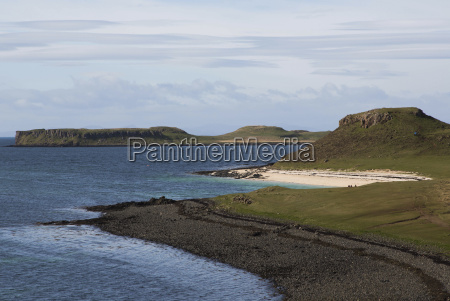 beach on isle of skye scotland
