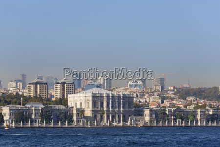 dolmabahce palace dolmabahae sarayi seen from