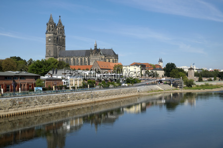 the magedeburg cathedral on the elbe