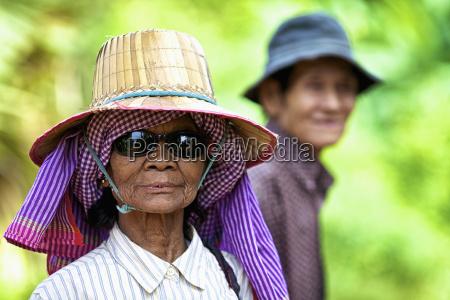 kolor kapelusz portret potrait poziome poziomo
