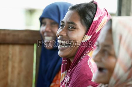 kobiety z grupy rolnictwa wspolnoty spotykaja