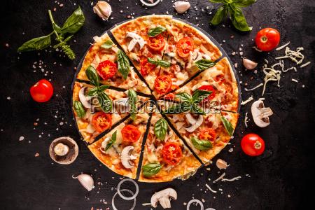 pyszna wloska pizza
