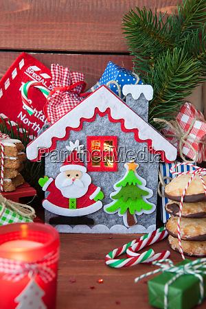 male prezenty i ciasteczka swiateczne