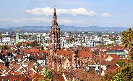 katedra we fryburgu bez rusztowan