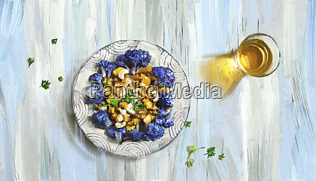 fioletowy kalafior i orzech nerkowca curry