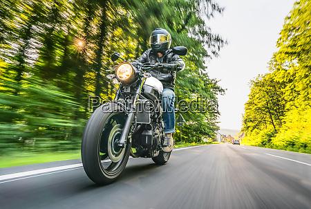 motocykl na drodze zabawy jazda na